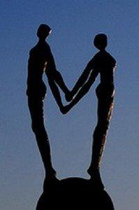 Couple-se-tournant-le-dos6